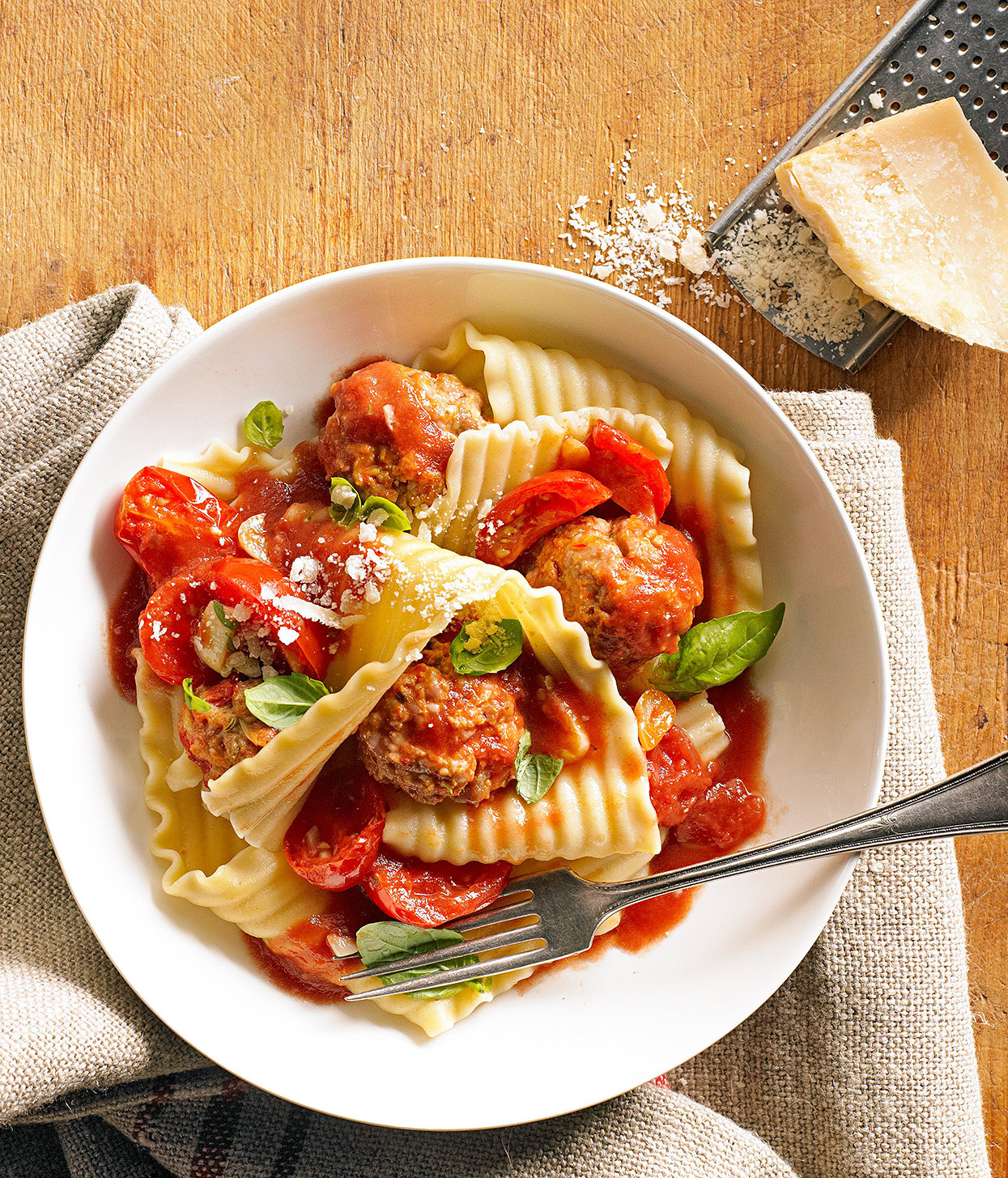 Mama's Spicy Meatballs with Fresh Tomato Sauce