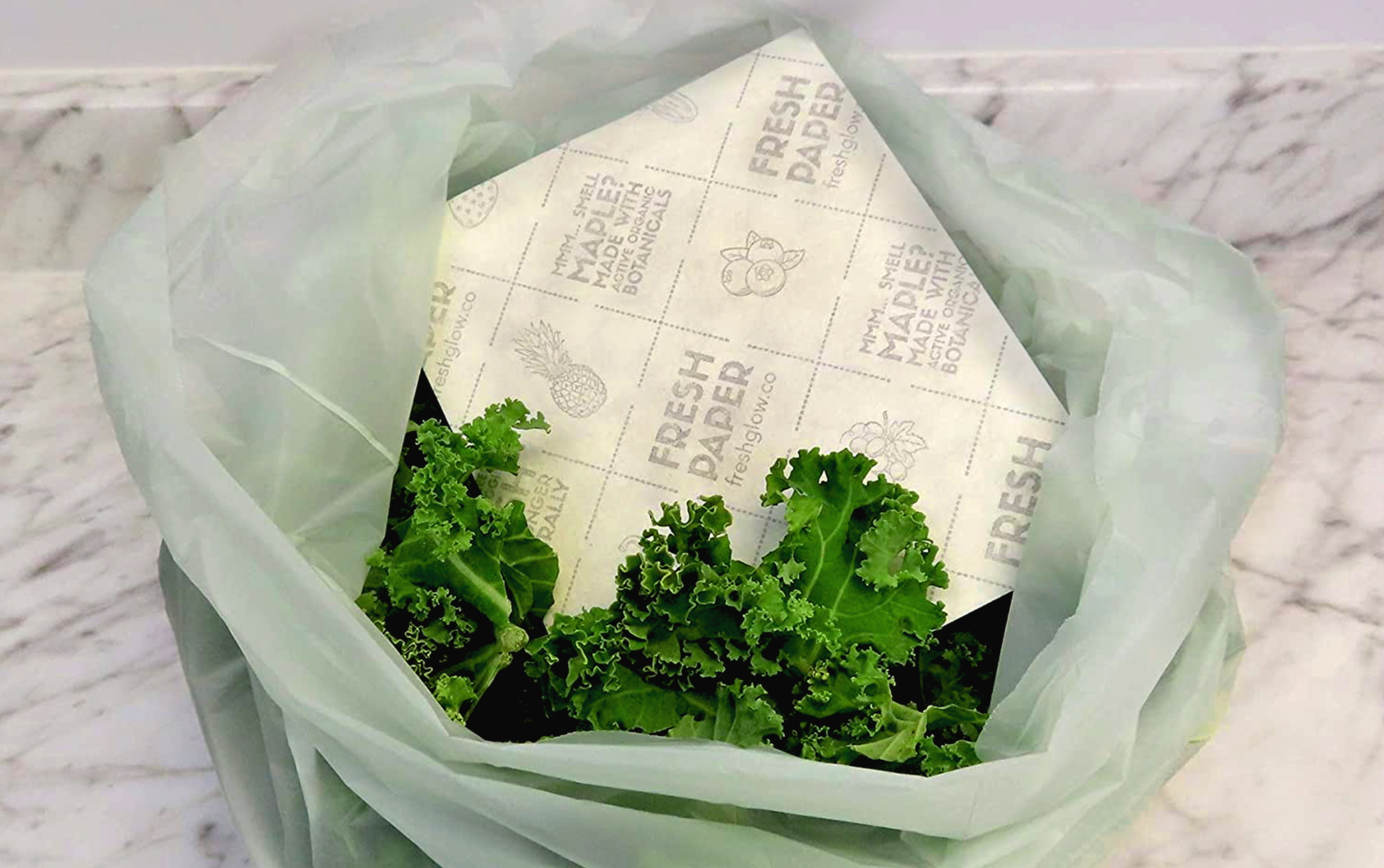 FRESHPAPER Food Saver Sheets in a bag with lettuce