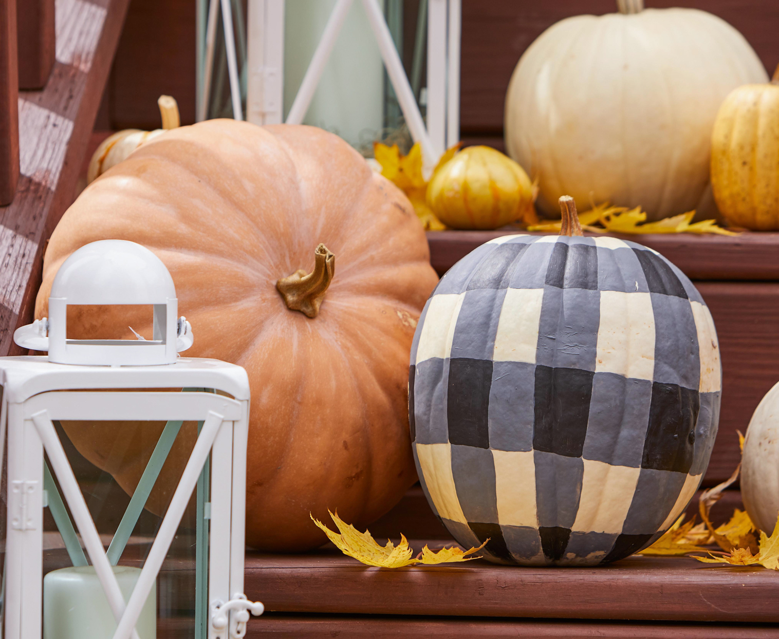 pumpkins porch steps