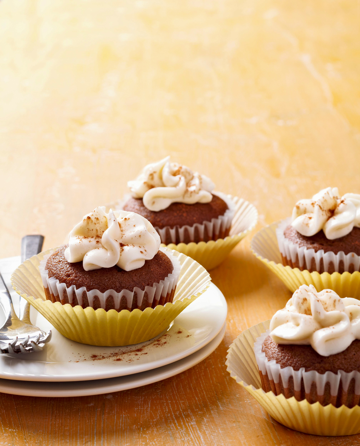 Spiced Molasses Cupcakes with Marshmallow Cream Cheese Frosting