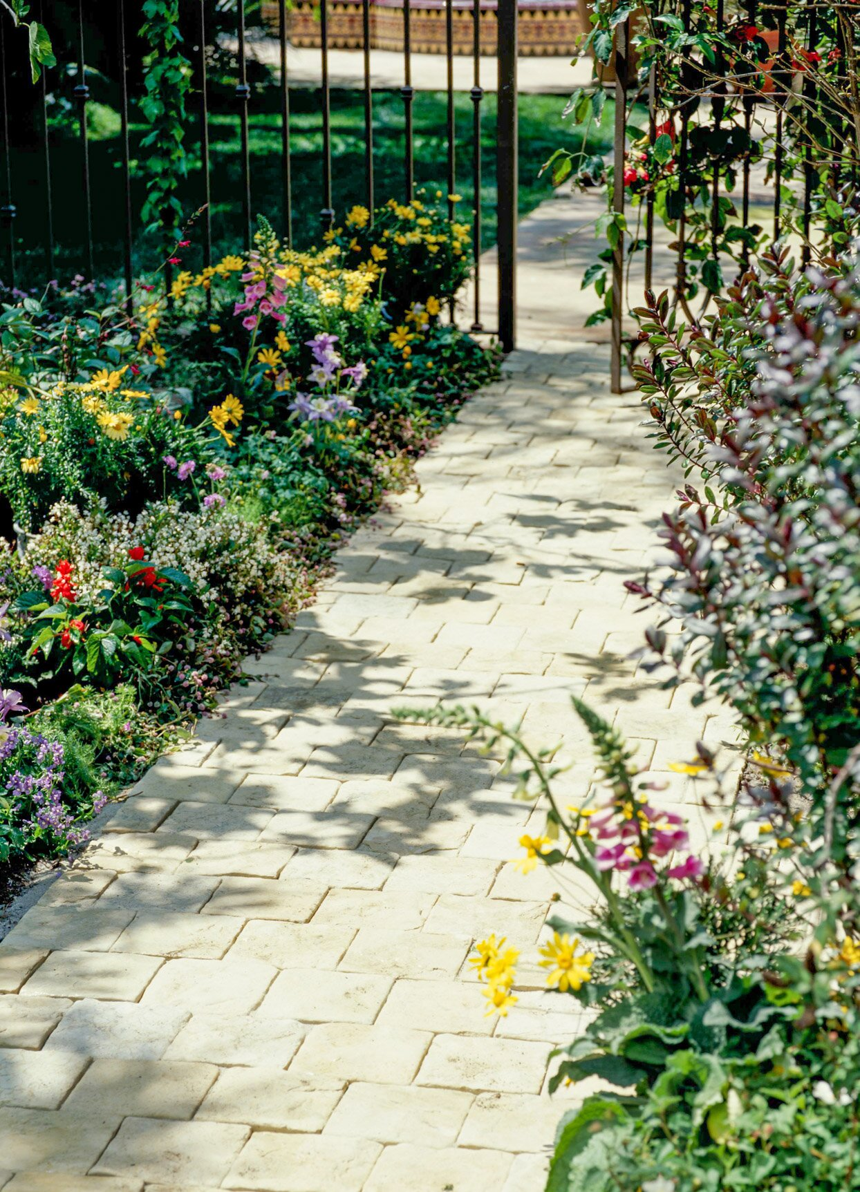 3 Custom Walkway Designs You Can Easily Install Yourself Better Homes Gardens