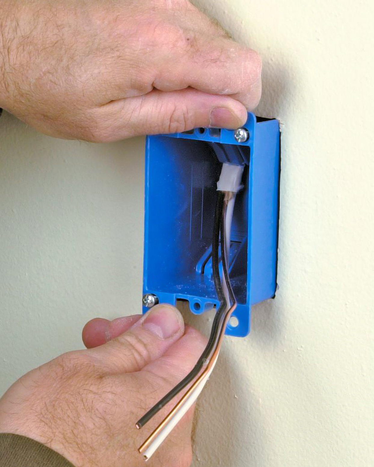 wall insert remodel box with cables