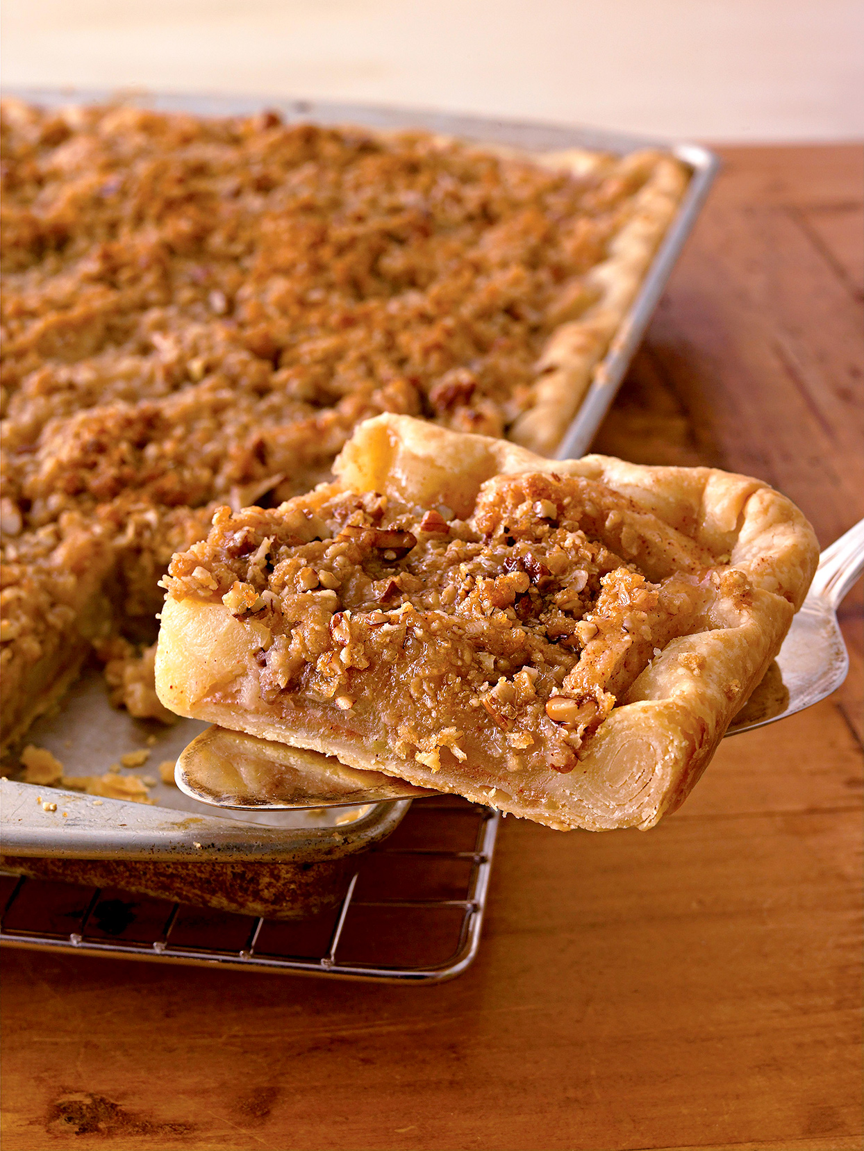 Crumb-Topped Apple Slab Pie