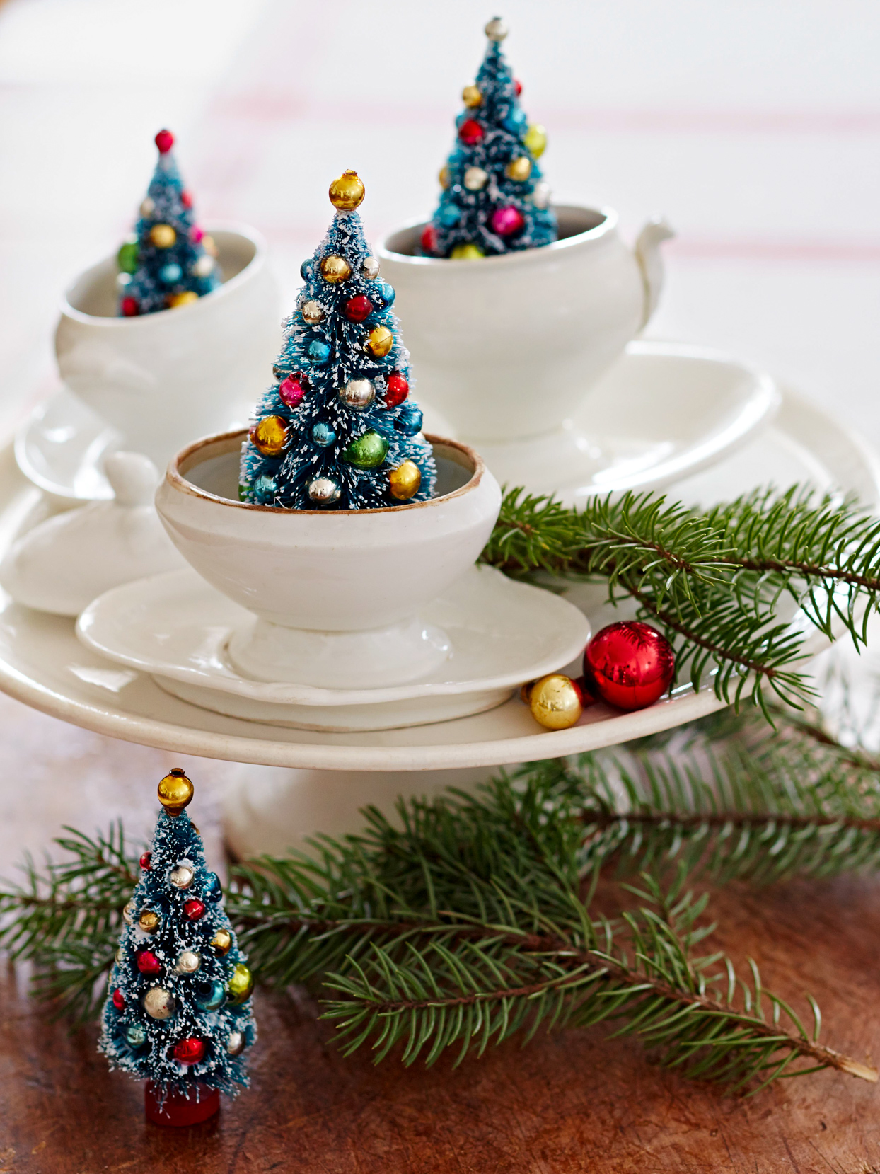 Easy To Make Christmas Centerpieces Better Homes Gardens