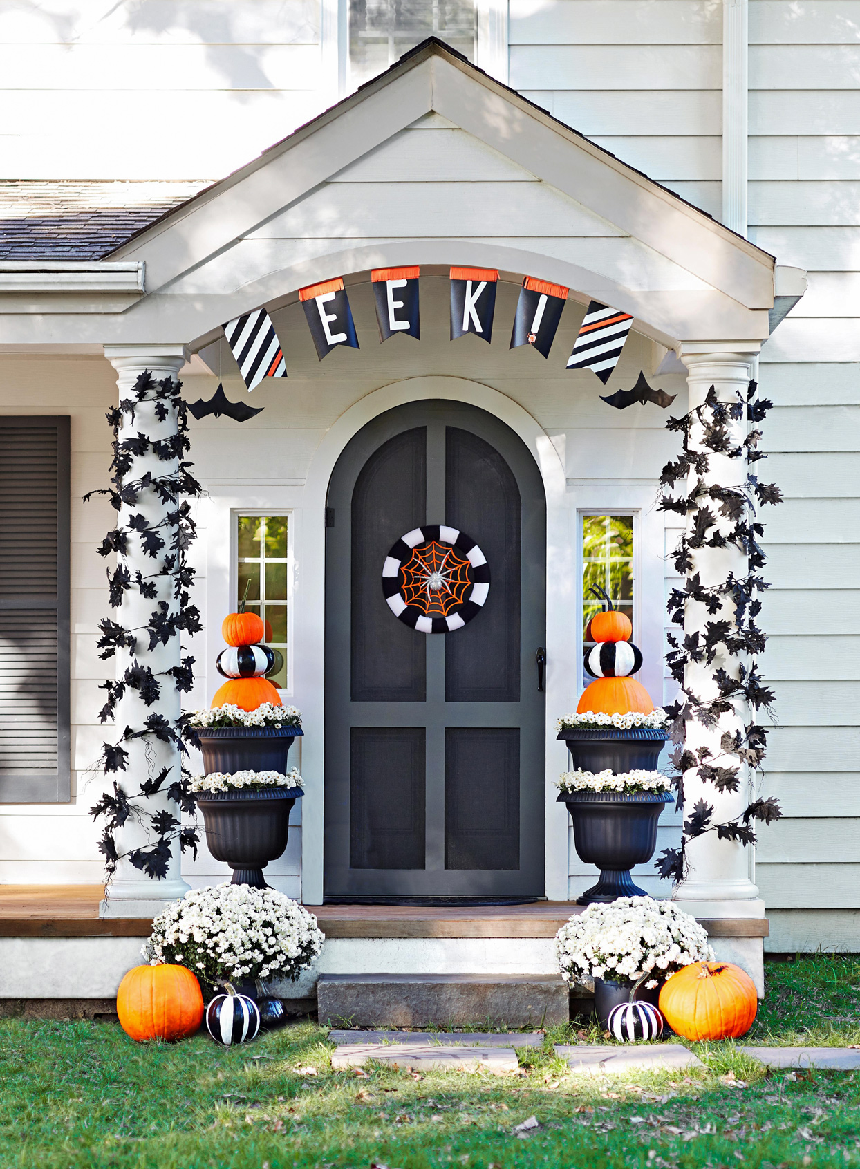 eek! halloween porch banner
