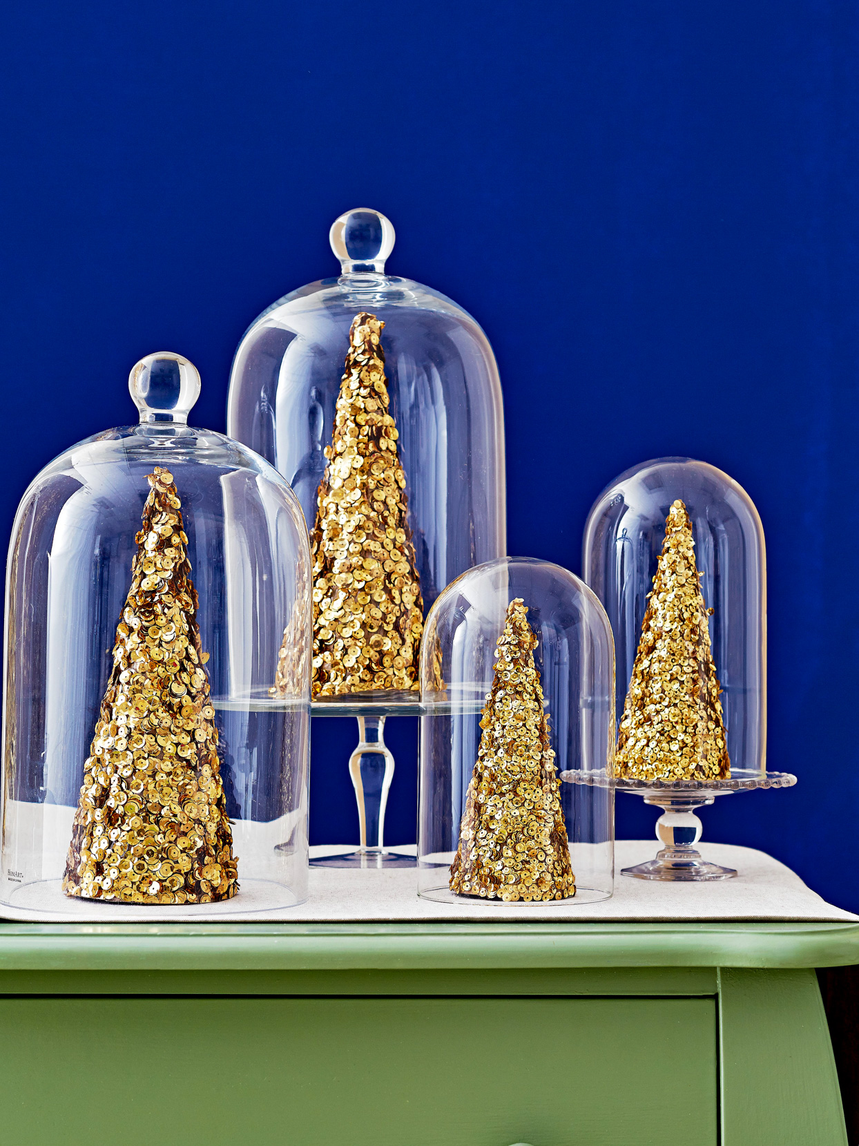 sparkling trees christmas table