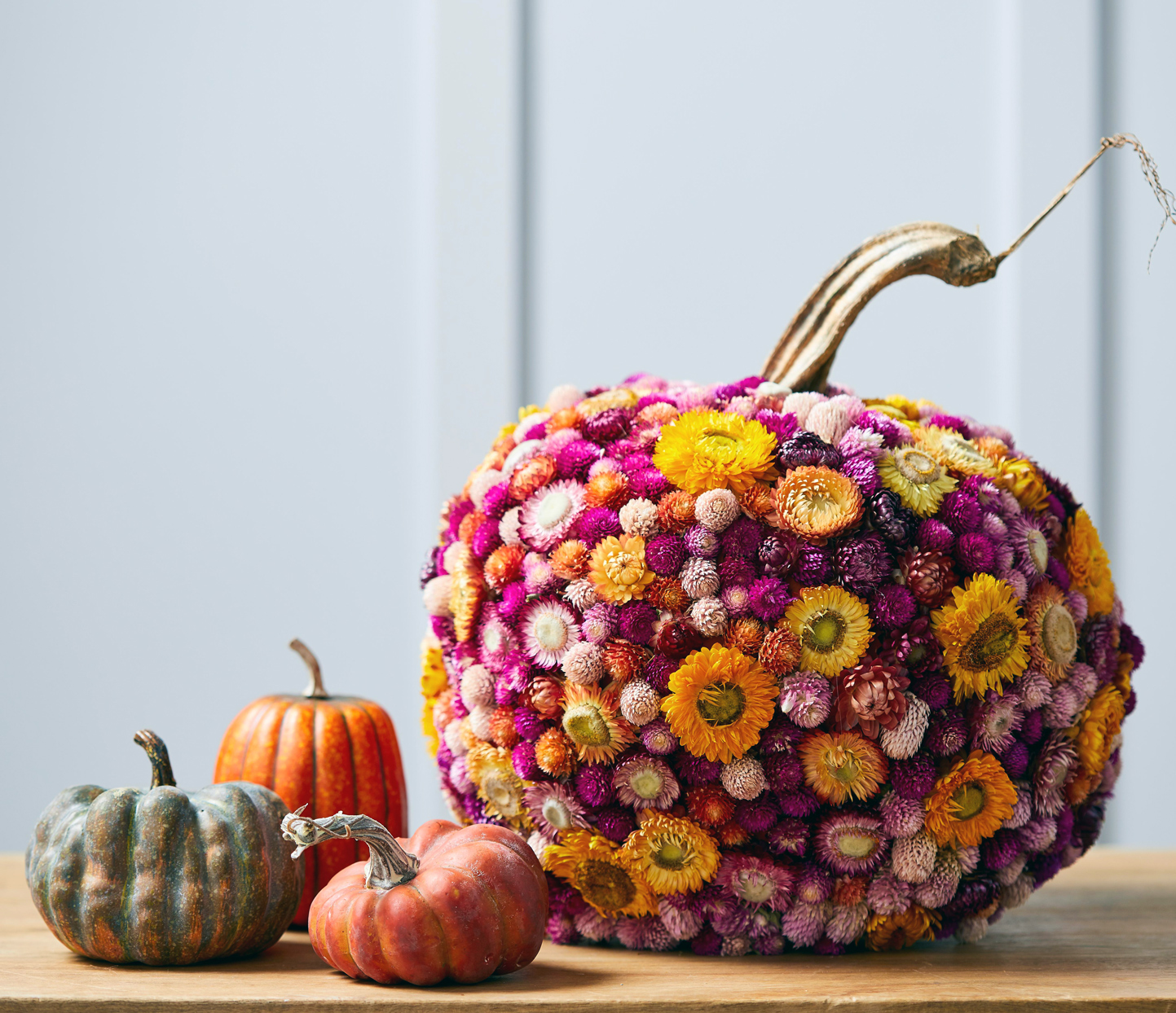 pumpkins with flowers