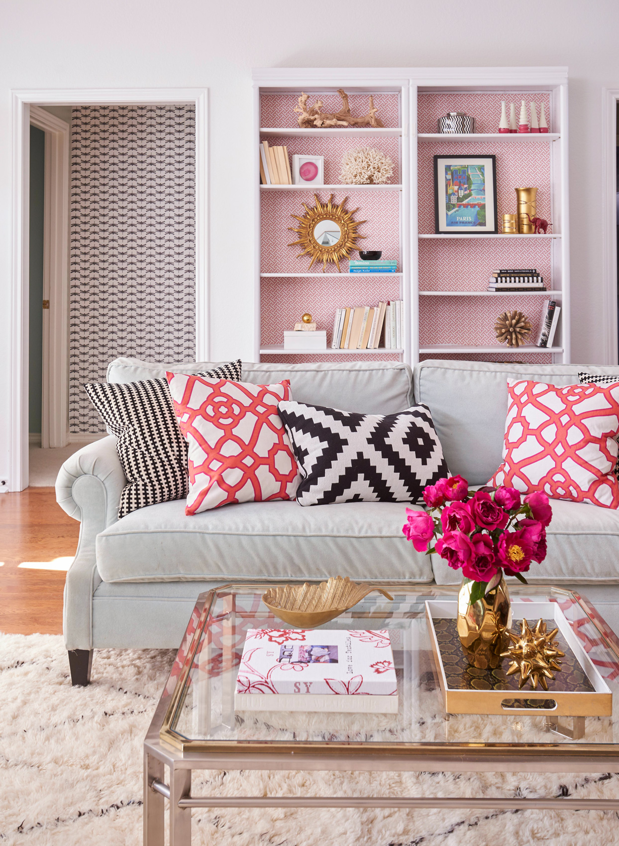 pink accent living room