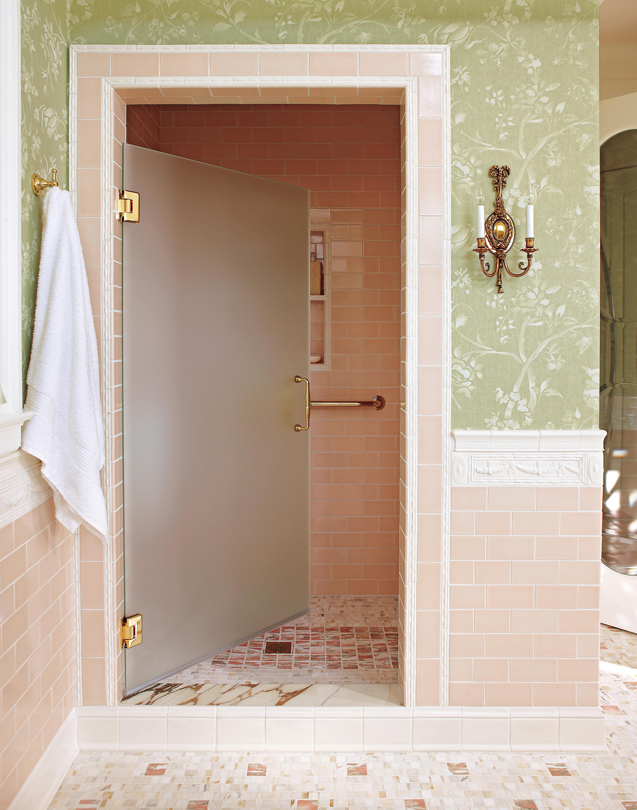 shower room wide door pink tiles