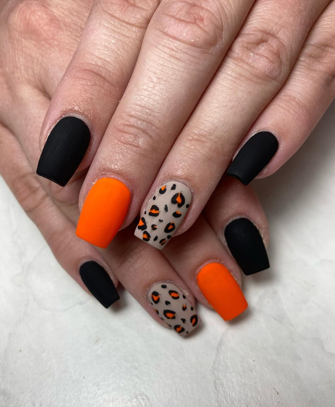 Halloween Nail Designs Way Too Pretty To Be Scary Better Homes Gardens