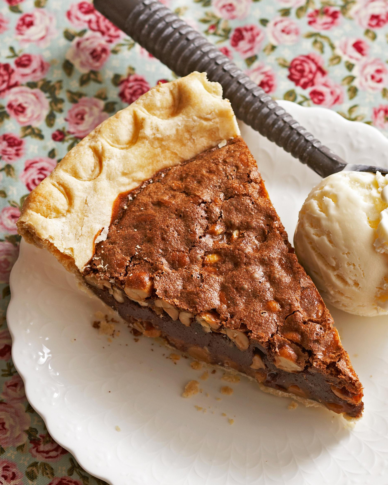 Fudgy Caramel and Peanut Butter Brownie Pie