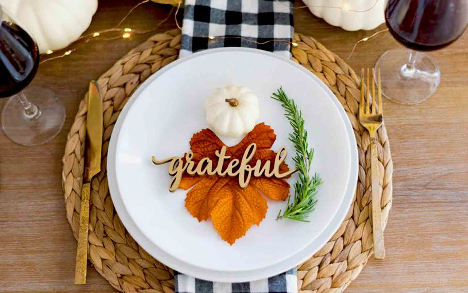Grateful Thanksgiving place setting on a wooden table