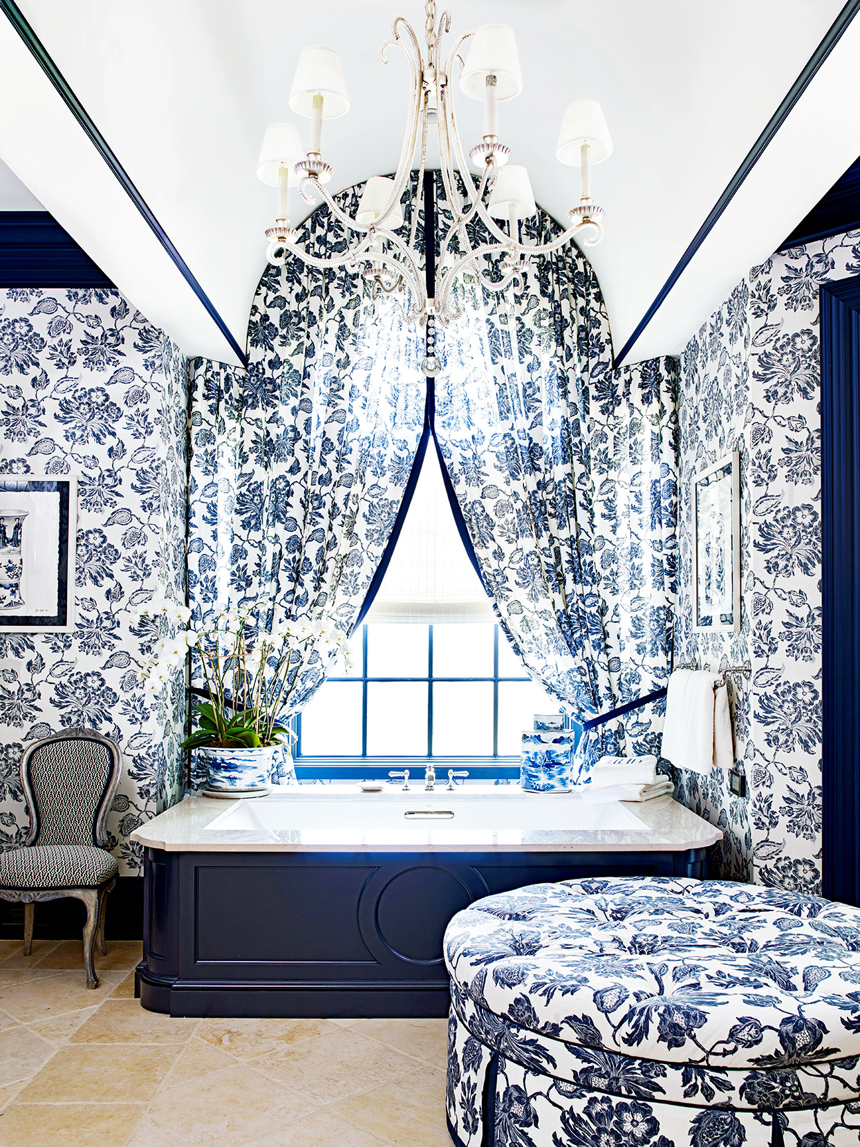 bathroom with floral white and blue details
