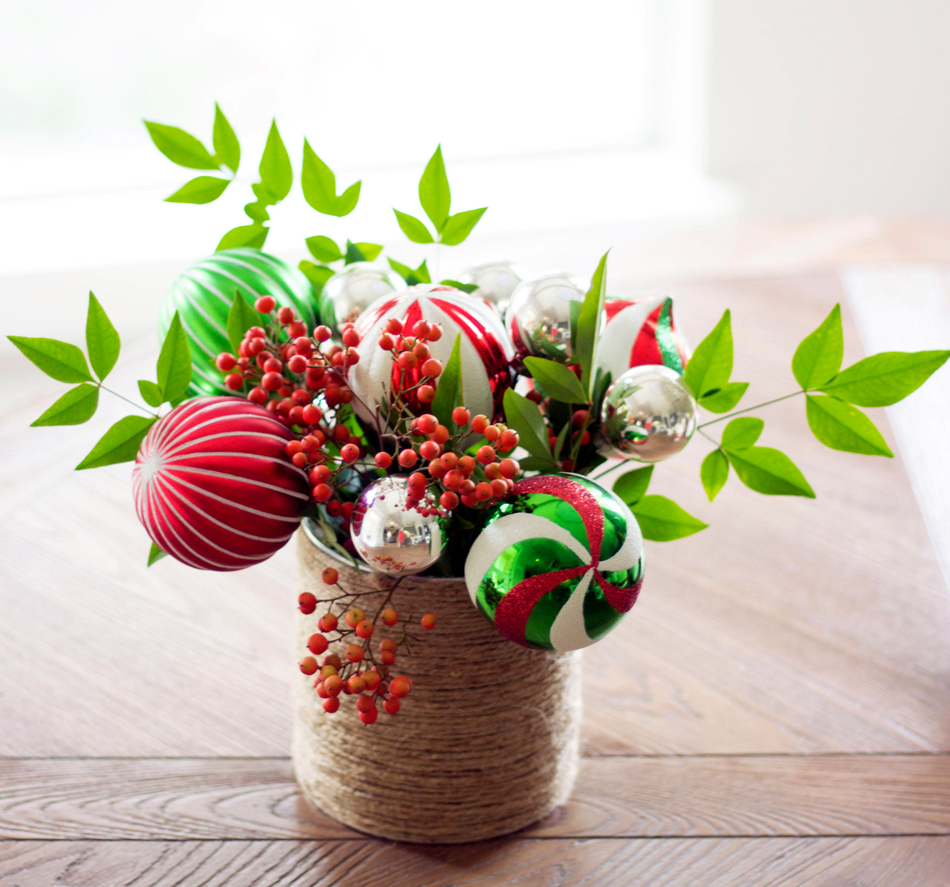ornament bouquet christmas centerpiece
