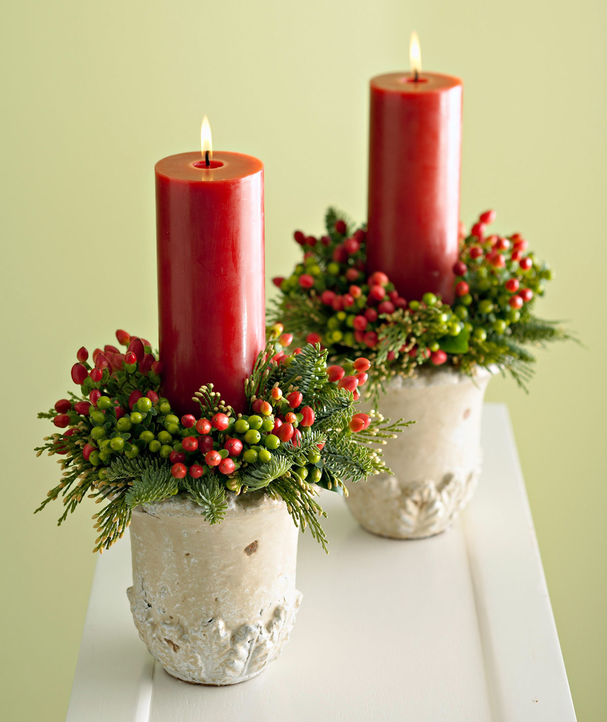 wreath-inspired candles