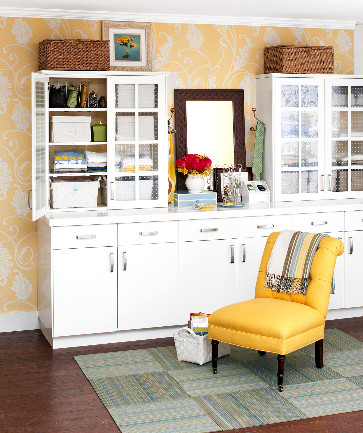 Kitchen Cabinetry-Style Dressing Area