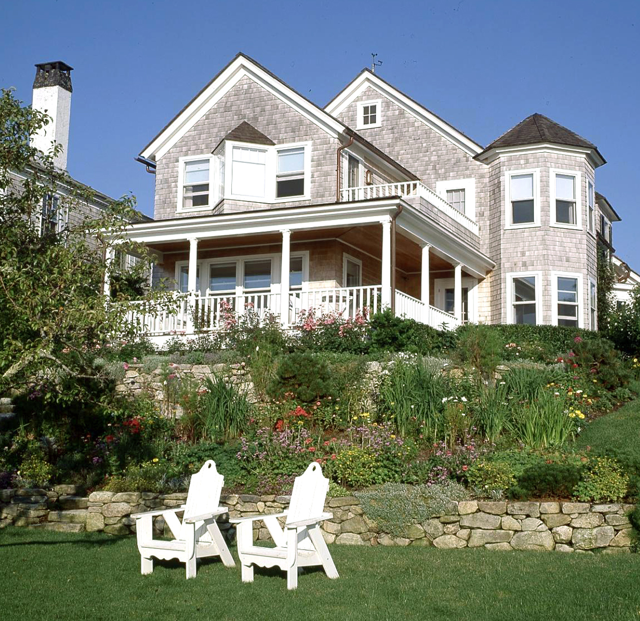Northeast Shingle-style home with porch