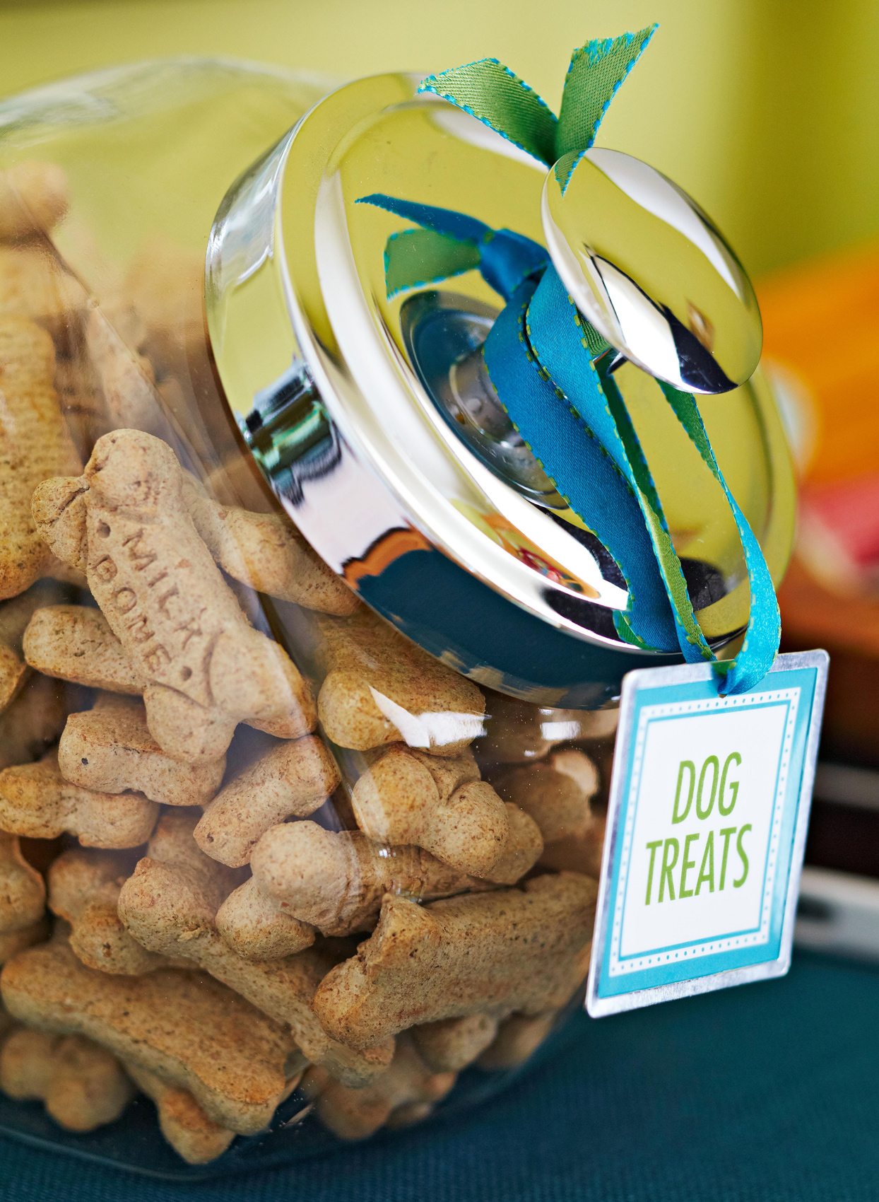 dog treat jar with milk bones