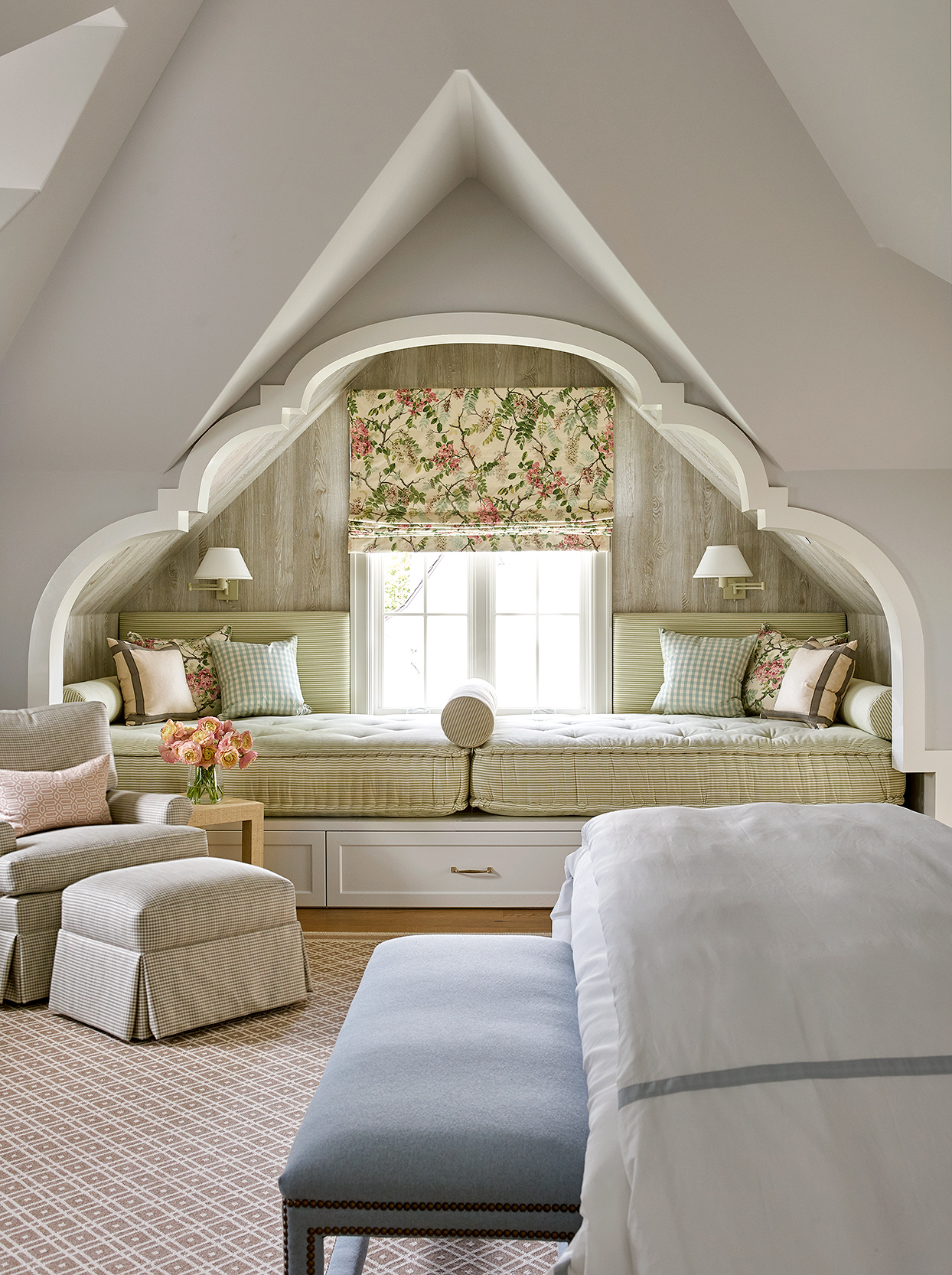 bed nook window guest suite arched ceiling