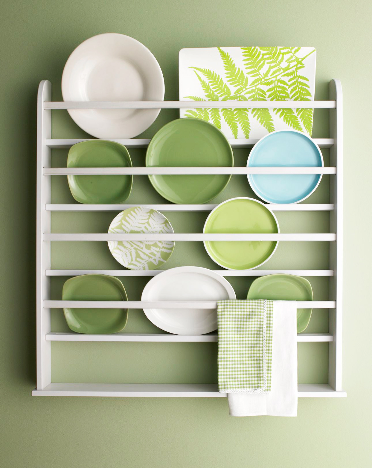 green and white plate rack