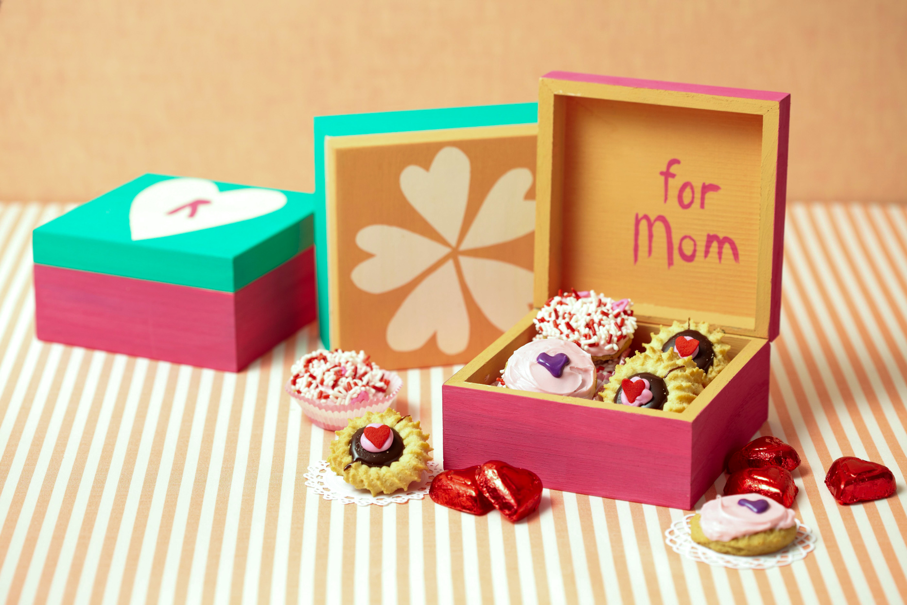 painted mothers day box