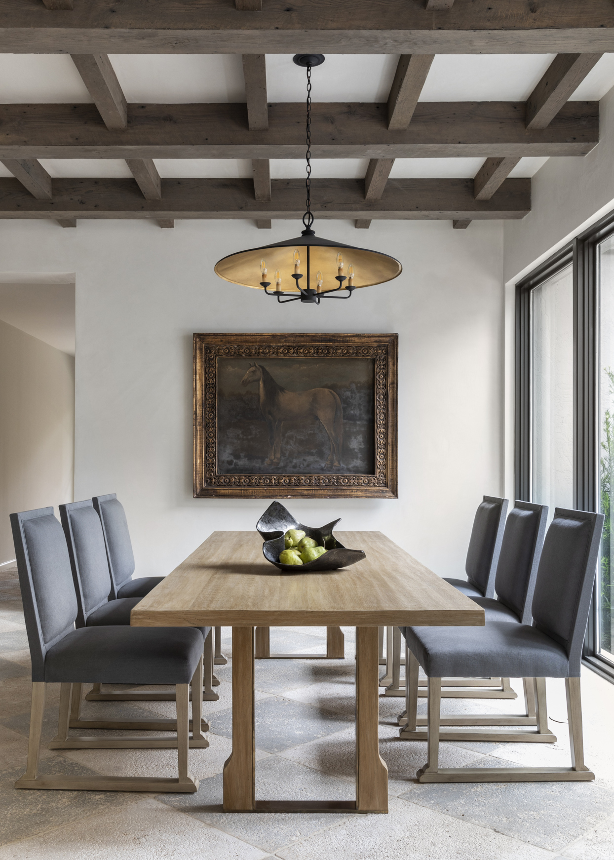 breakfast room with grey seating