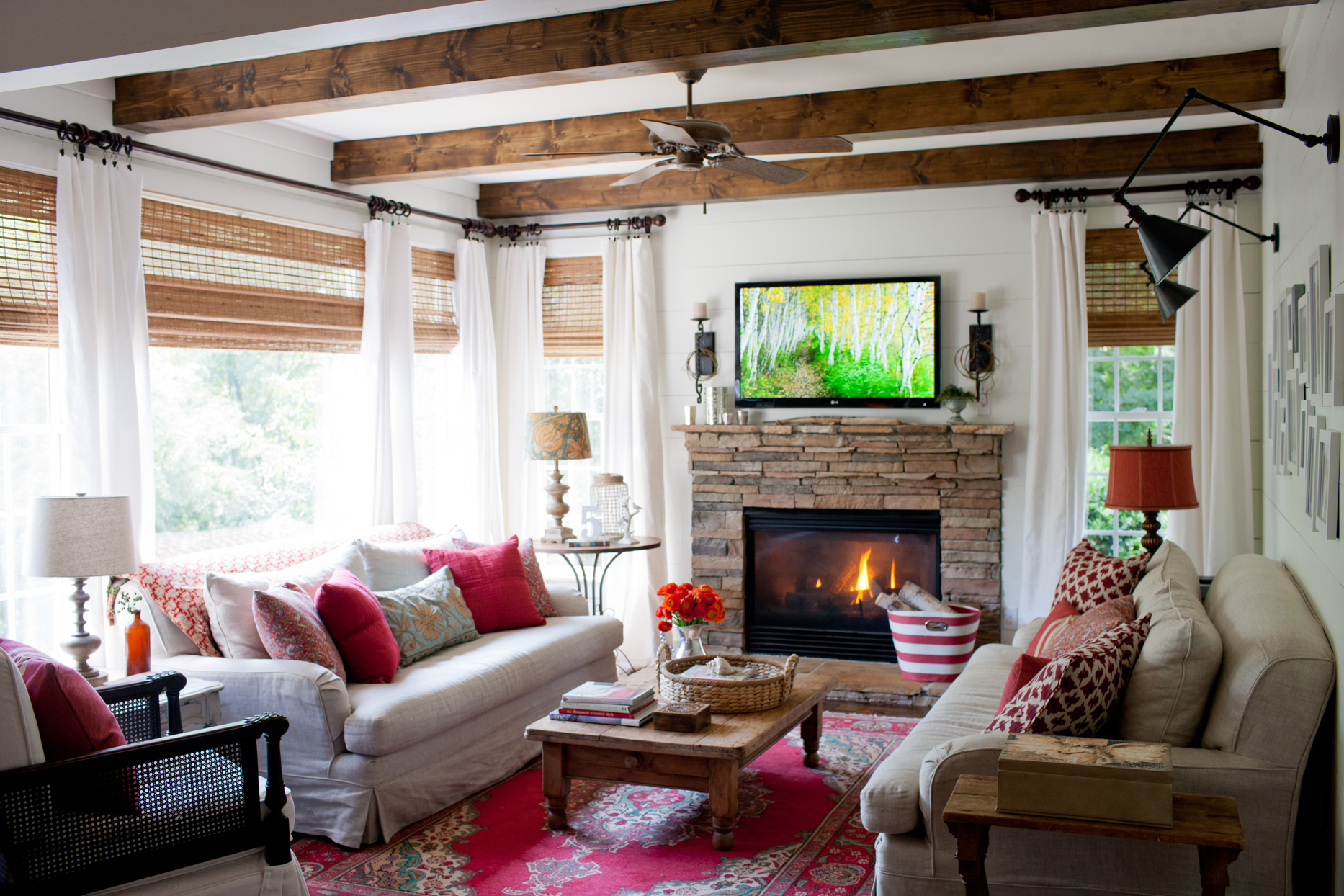 red cozy living room