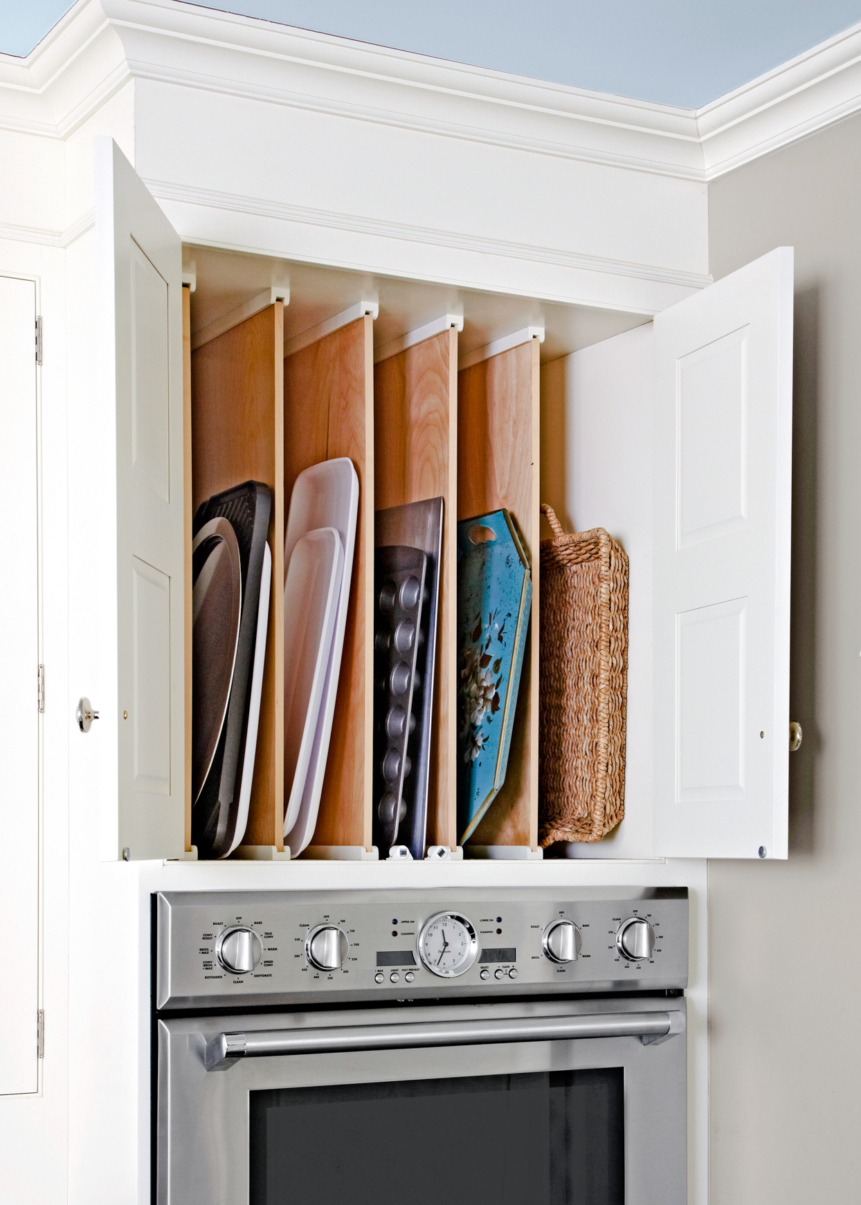pan dividers in upper cabinets