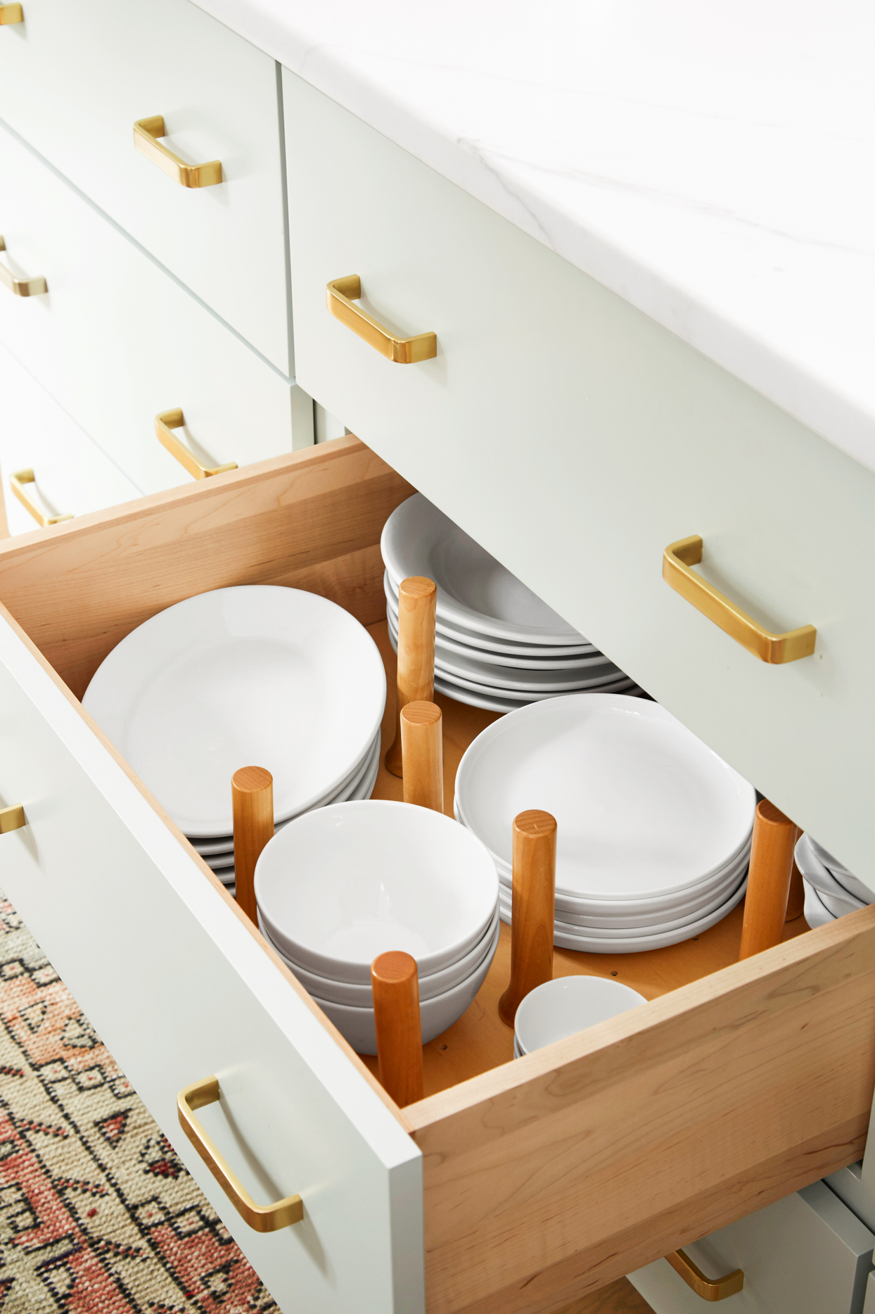 drawer storage for plates