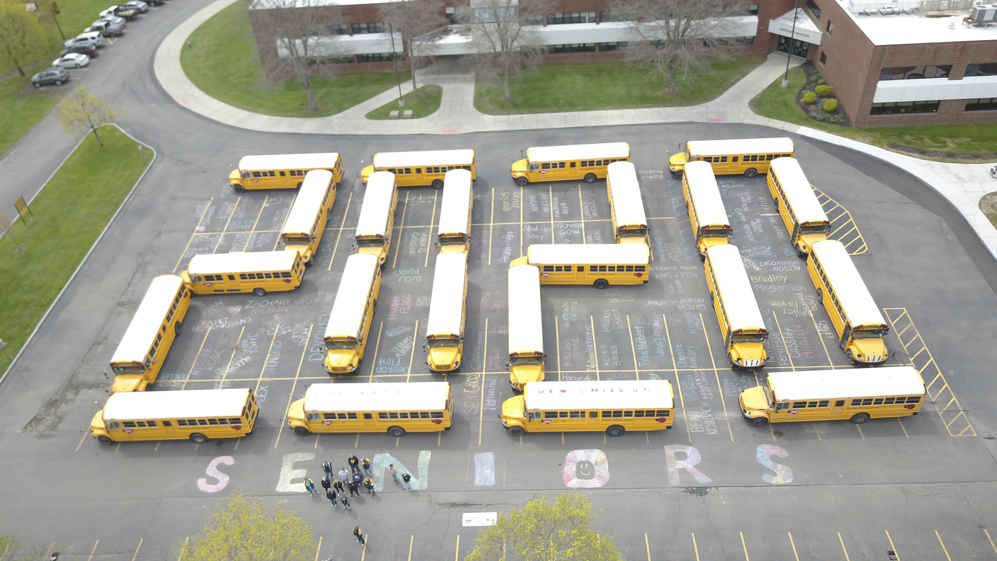 New York Bus Drivers Arrange Buses to Spell '2020' in Tribute to Graduating Class