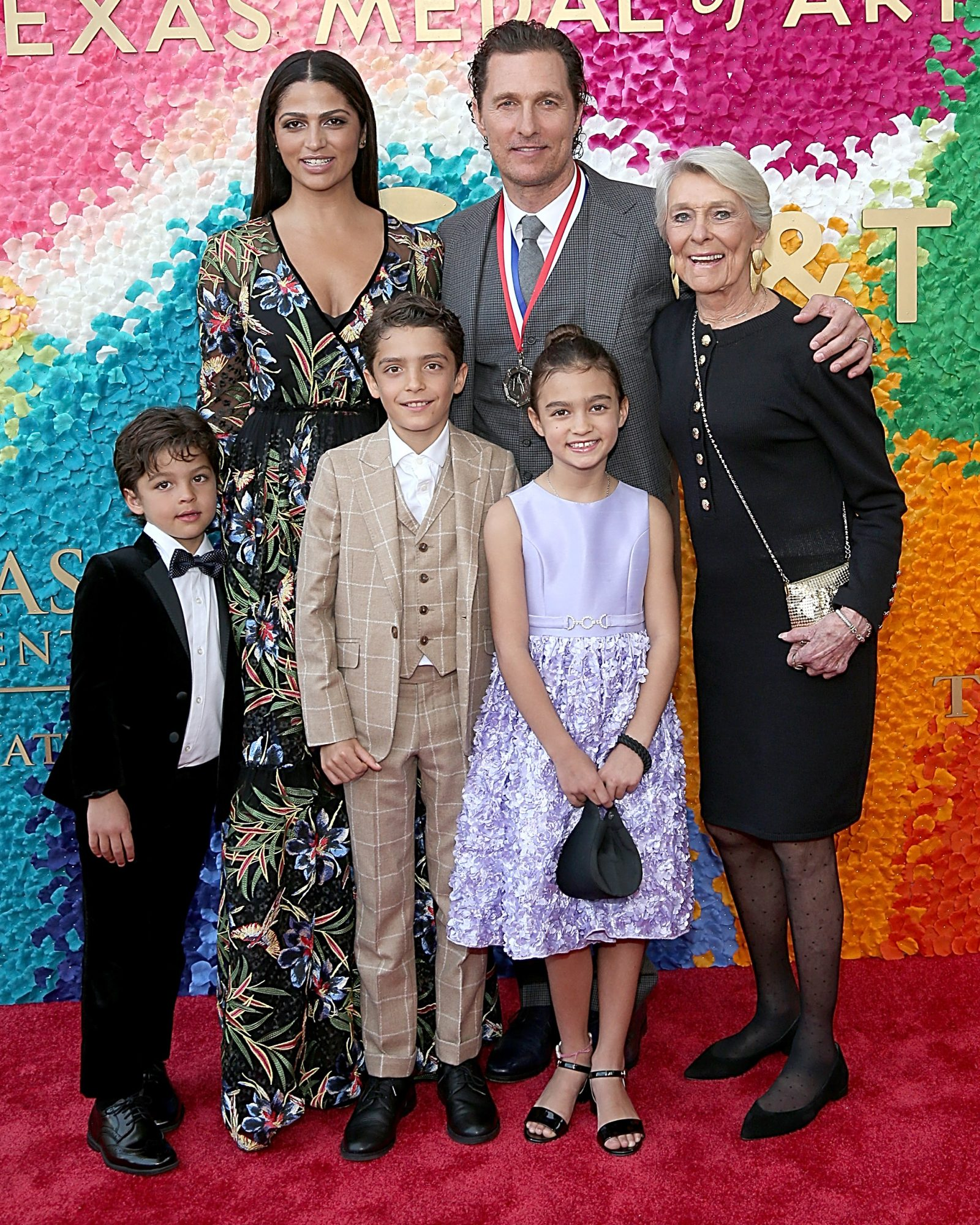 matthew mcconaughey and camila alves with their children
