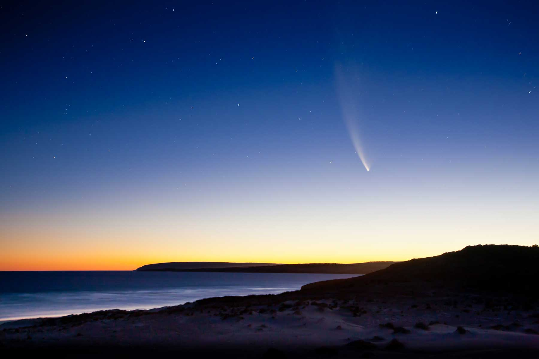 McNaughts Comet over Sleaford Bay, Eyre Peninsula, South Australia in 2007.