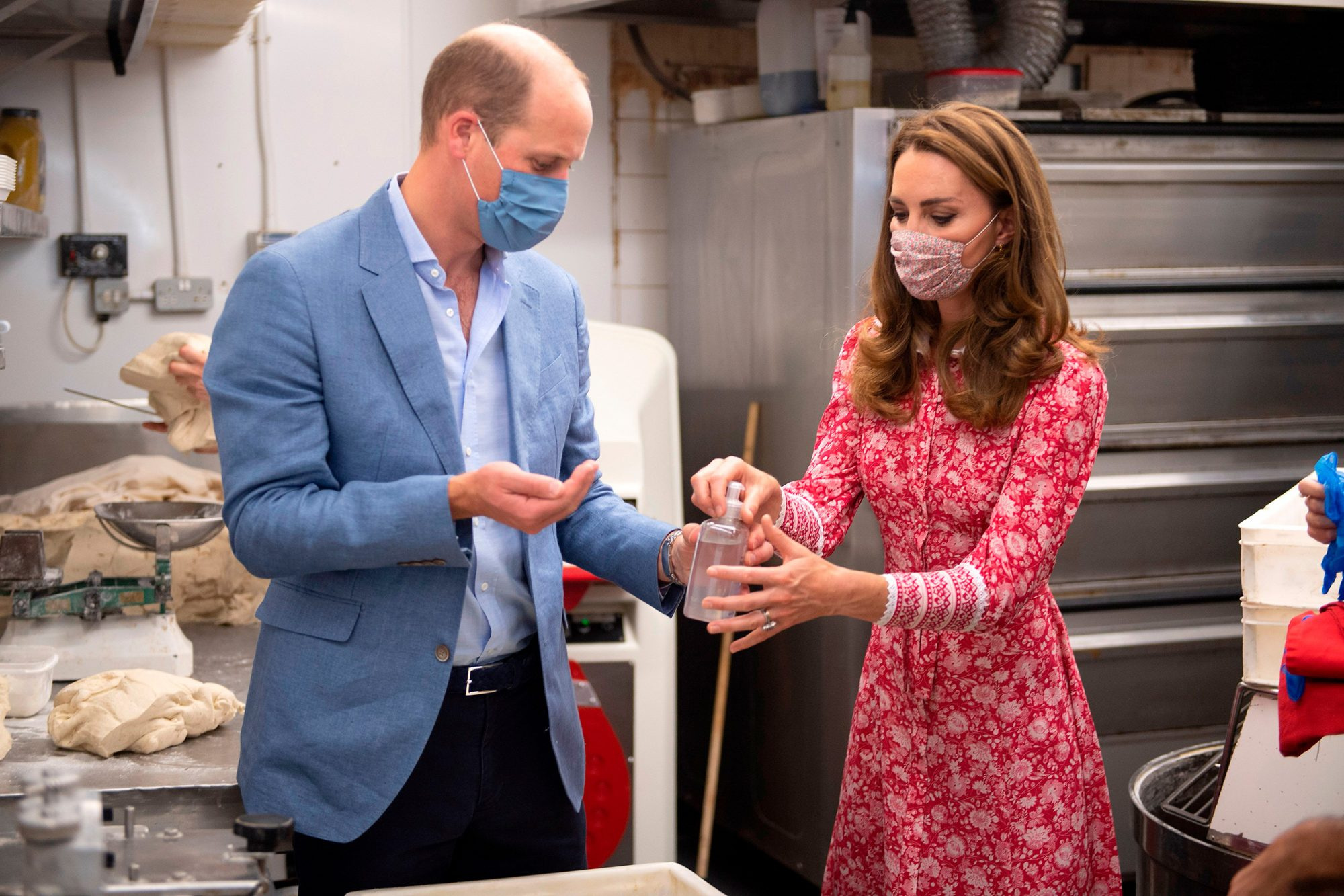 Prince William, Duke of Cambridge and his wife Britain's Catherine, Duchess of Cambridge visit to Beigel Bake Brick Lane Bakery in east London on September 15, 2020