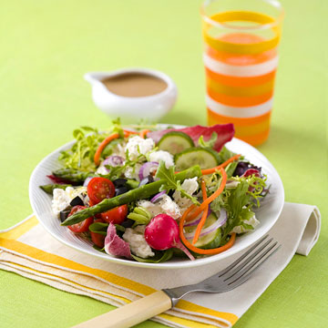 Healthy salad with plenty of veggies