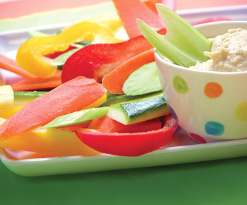 vegetables and hummus dip