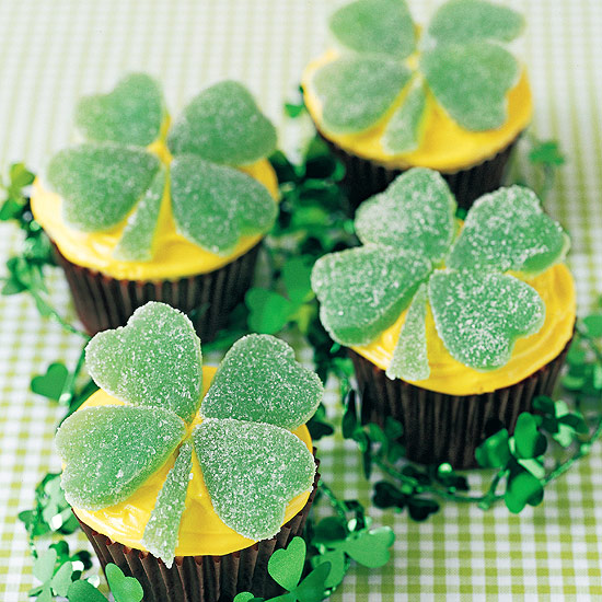 Four-Leaf St. Patrick's Day Cupcakes