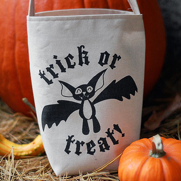 Trick-or-Treat Bat Bag