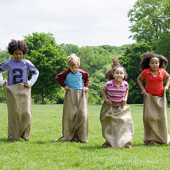 five kids in potato sack race