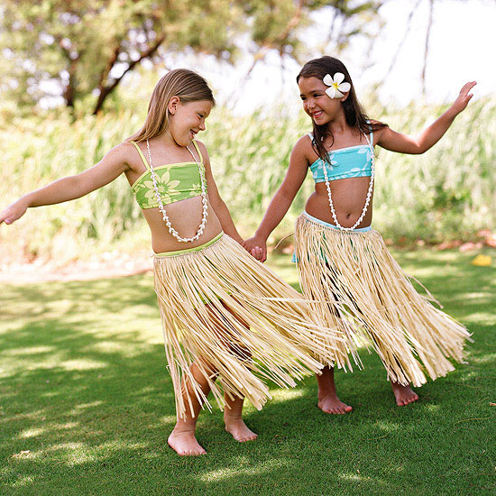 children hula dancing