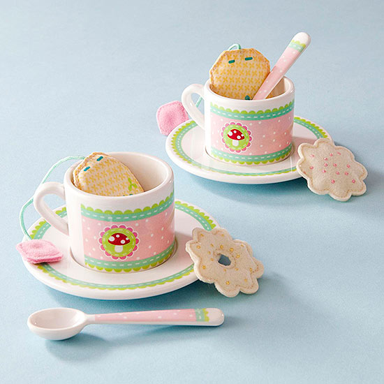 An Oh-So-Sweet Tea Set