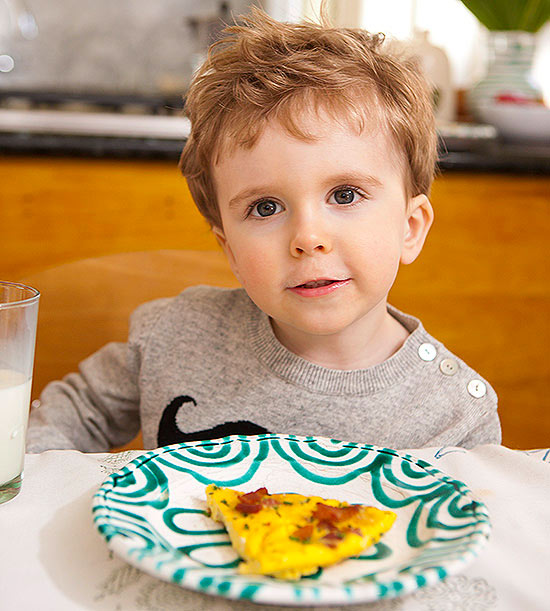 Rosie Pope's son eating breakfast
