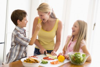 Eating Disorders in Children: 7 Tips to Reduce the Risk 37686