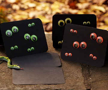 Halloween Invitation: Eye-Catching Card