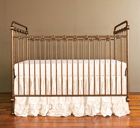 Bratt Decor gold crib