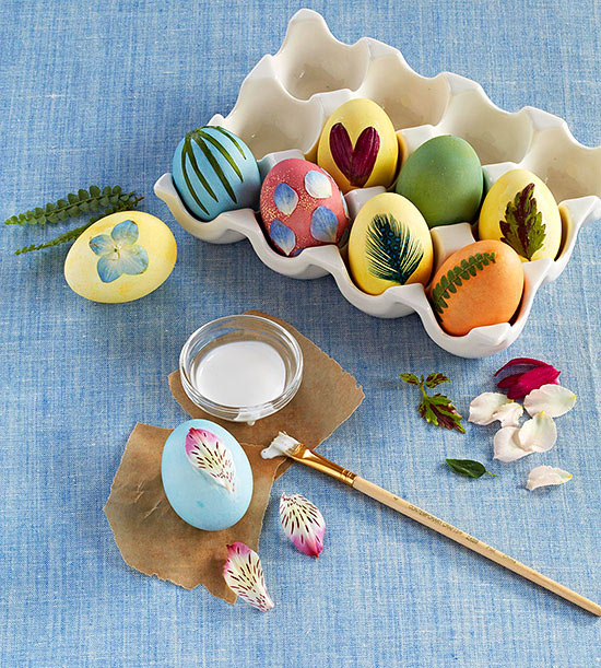 Decorate the Eggs