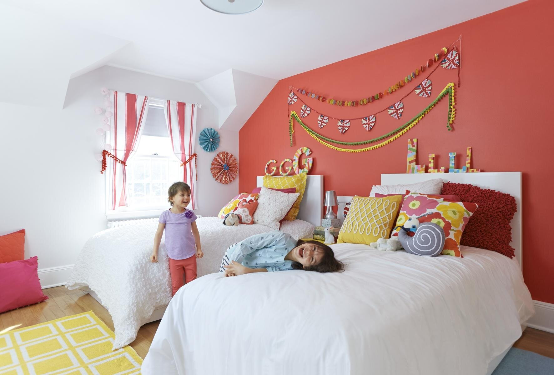 Inexpensive And Colorful Kids Bedroom Ideas Parents