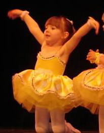 How to Be A Stage Mom (Without Getting All Toddlers & Tiaras)  34745