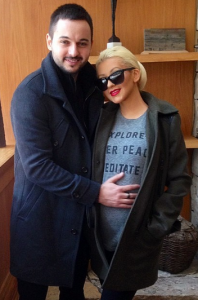 Christina Aguilera's First Baby Bump Photo! 26684