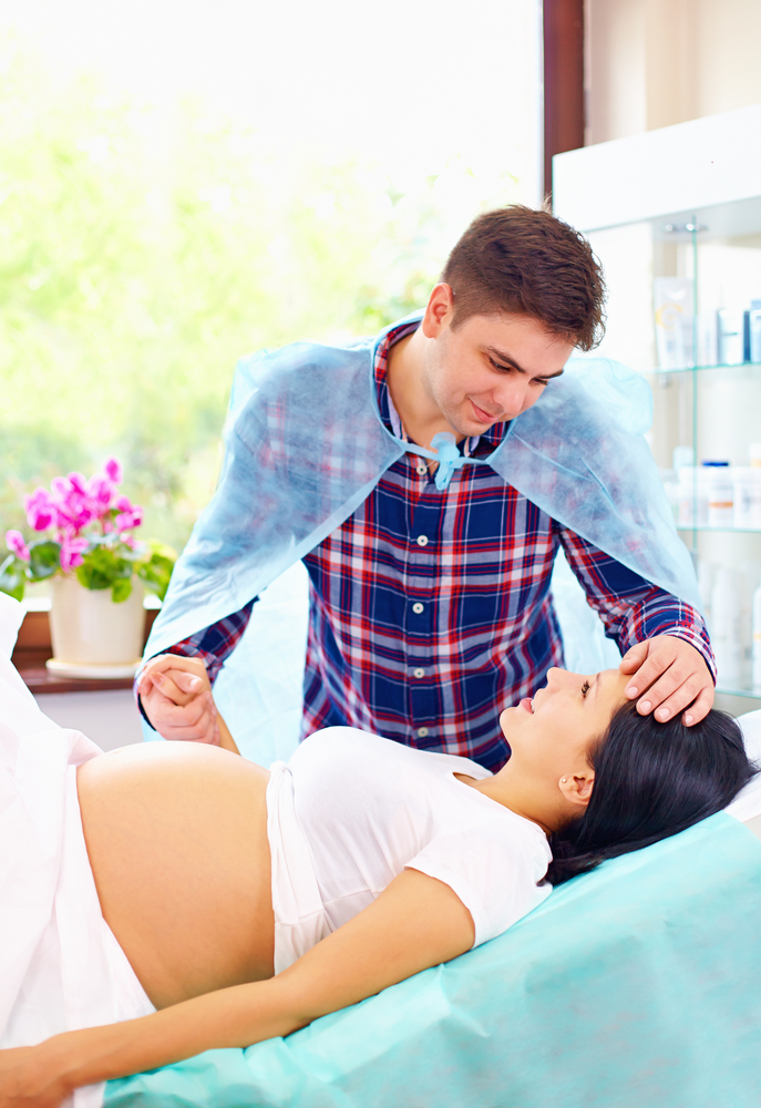Quizler Delivery Partner Result Husband Soothing Wife In Labor