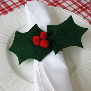 Holly Napkin Rings